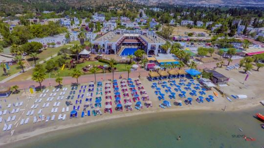 Почивка в COSTA BITEZHAN BEACH 4*