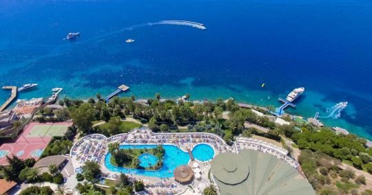 Почивка в BODRUM HOLIDAY RESORT & SPA 5*