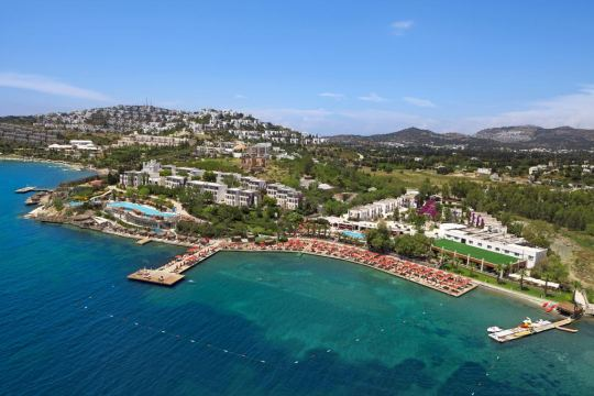 Почивка в KADIKALE RESORT 5*