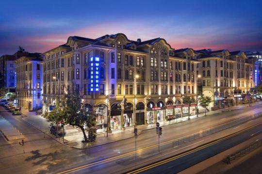 Почивка в CROWNE PLAZA ISTANBUL - OLD CITY 5*