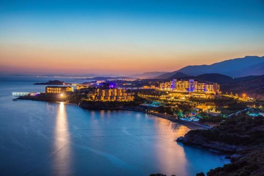 Почивка в ARIA CLAROS BEACH & SPA RESORT 5*